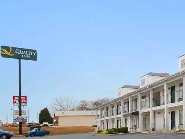 Quality-Inn-And-Suites-Near-Atlanta-Skydiving